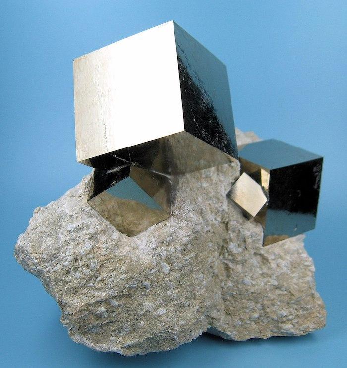 1280px-2780M-pyrite1